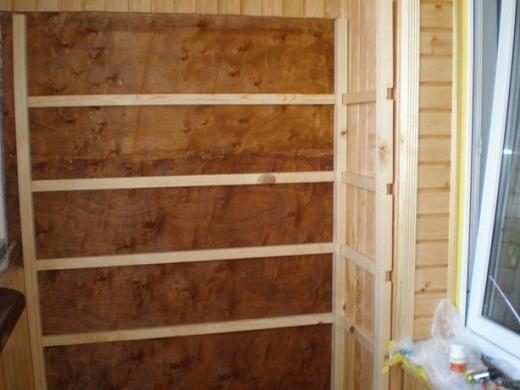 На рисунке представлен каркас шкафа из вагонки для балкона